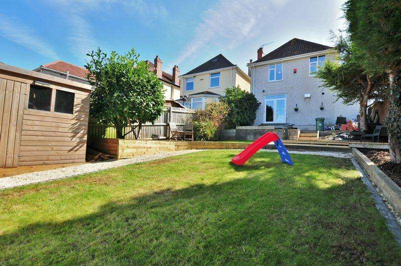 3 Bedrooms Detached House for sale in Hengrove Lane, Bristol, BS14 NO CHAIN
