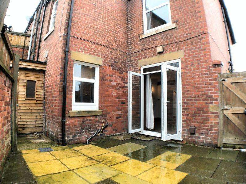 3 Bedrooms Semi Detached House for sale in Liverpool Old Road, Walmer Bridge, Preston