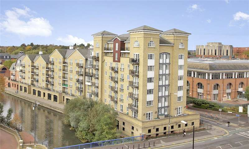 3 Bedrooms Flat for sale in Riverside House, Fobney Street, Reading, Berkshire, RG1