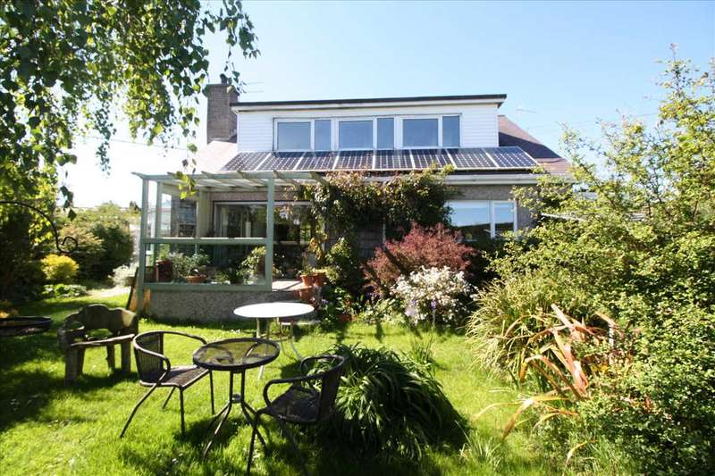 3 Bedrooms Detached House for sale in Bryn Awelon, Llanddona, Beaumaris