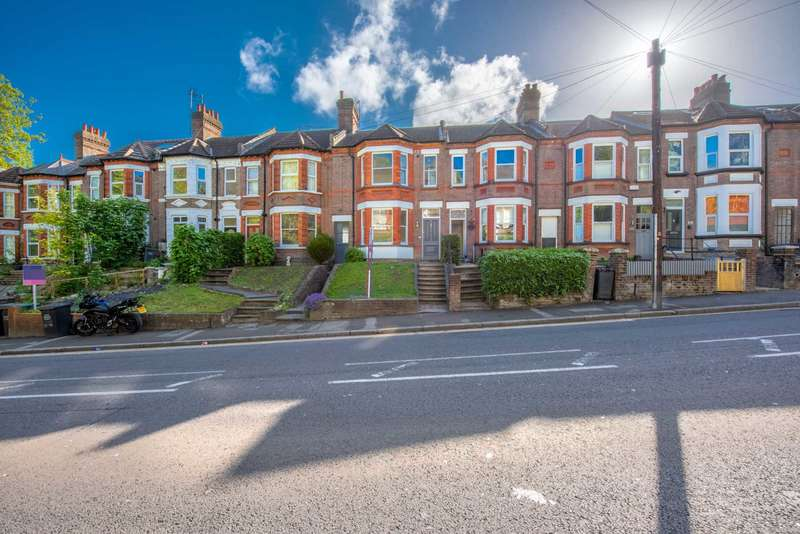 4 Bedrooms Terraced House for sale in 3 Reception Rooms on London Road, Luton