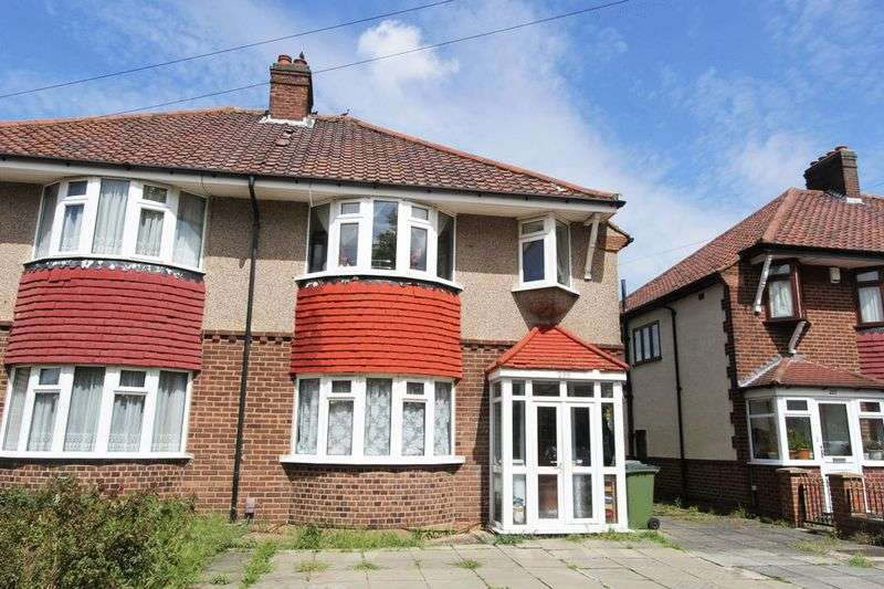 3 Bedrooms Property for sale in Wricklemarsh Road, London