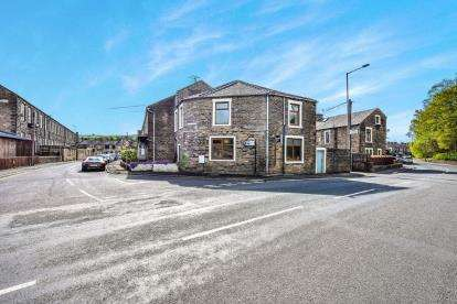 5 Bedrooms End Of Terrace House for sale in Albion Road, Earby, Barnoldswick, Lancashire, BB18