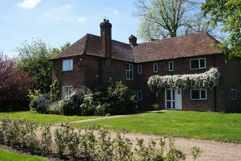 5 Bedrooms Country House Character Property for rent in Common Road, Studham
