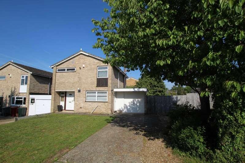 3 Bedrooms Detached House for sale in Framlingham Drive, Reading