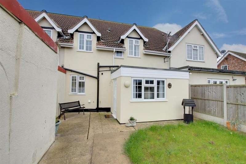3 Bedrooms Cottage House for sale in Brickyard Cottages, Church Road, Mablethorpe