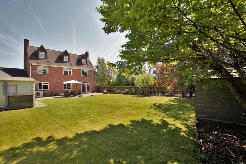 4 Bedrooms Detached House for sale in Satterley Close, Witham St. Hughs