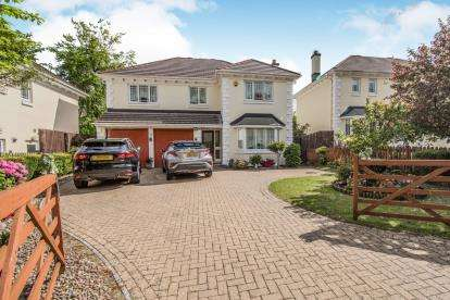 5 Bedrooms Detached House for sale in Carlyon Bay, St Austell, Cornwall
