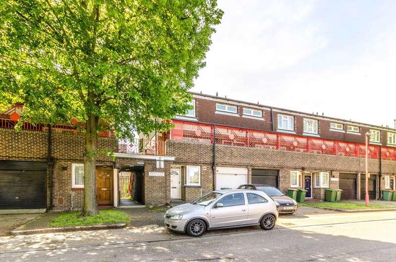 2 Bedrooms Flat for sale in Hoskins Close, Royal Docks, E16