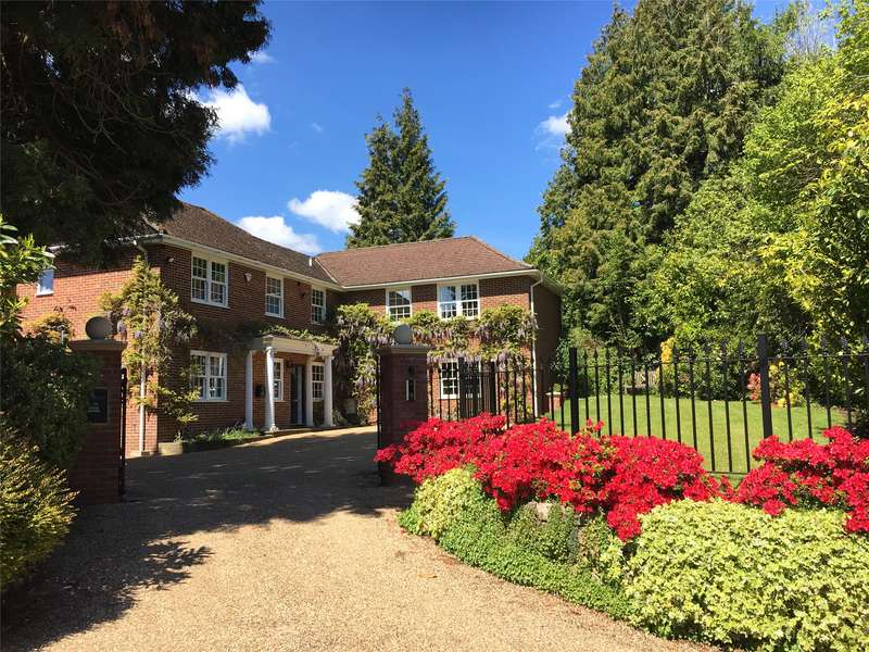 5 Bedrooms Detached House for sale in Wolfs Hill, Oxted, Surrey, RH8