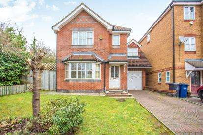 4 Bedrooms Detached House for sale in Northgate Drive, London