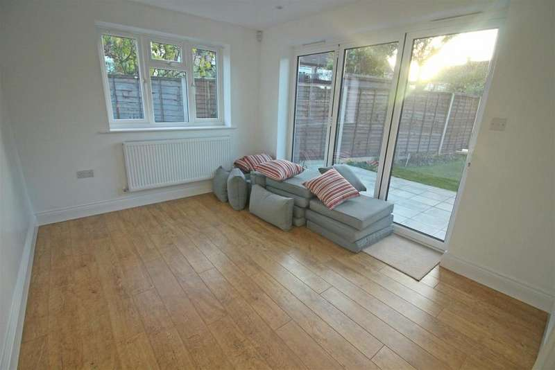 6 Bedrooms House for sale in Croxford Gardens, London