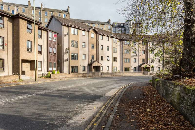 2 Bedrooms Flat for sale in Lochee Road, Dundee, Angus, DD2 2ND