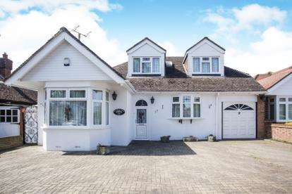 4 Bedrooms Bungalow for sale in Grasmere Road, Luton, Bedfordshire, .