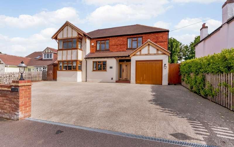 6 Bedrooms Detached House for sale in Gatesden Road, Fetcham, KT22