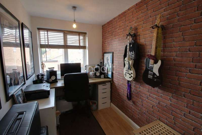 2 Bedrooms Semi Detached House for sale in Broughtons Field, Wigston Harcourt, Leicester