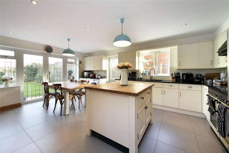 4 Bedrooms Detached House for sale in Chavey Down Road, Winkfield Row, Berkshire, RG42