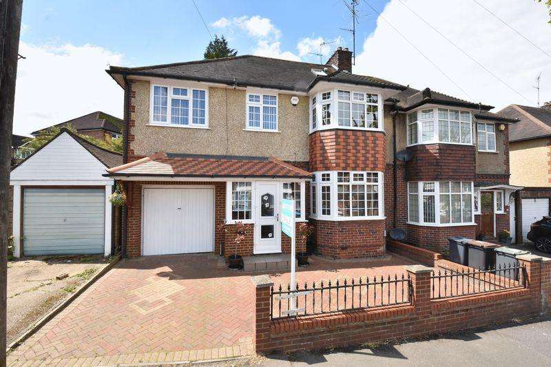 5 Bedrooms Semi Detached House for sale in Blenheim Crescent, Luton
