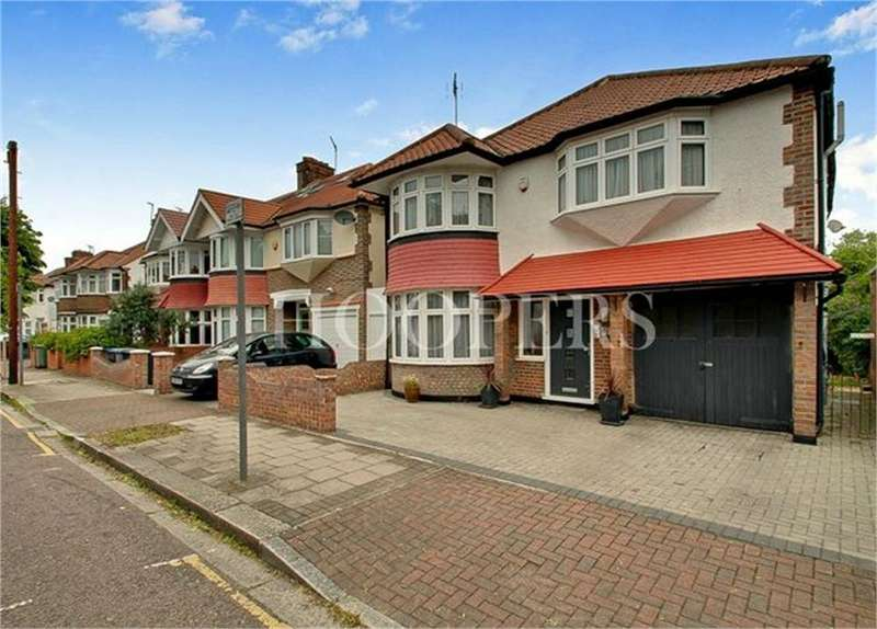 4 Bedrooms Detached House for sale in Helena Road, London
