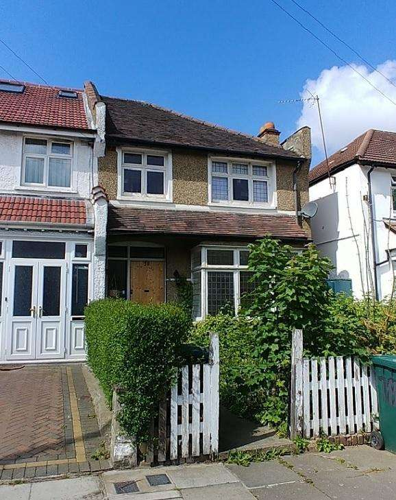 3 Bedrooms End Of Terrace House for sale in Woodgrange Avenue , Finchley N12