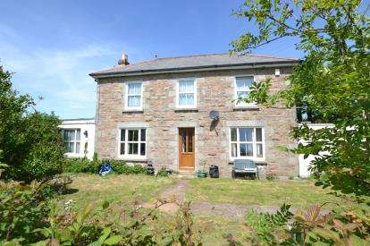 5 Bedrooms Detached House for sale in Camborne, Cornwall