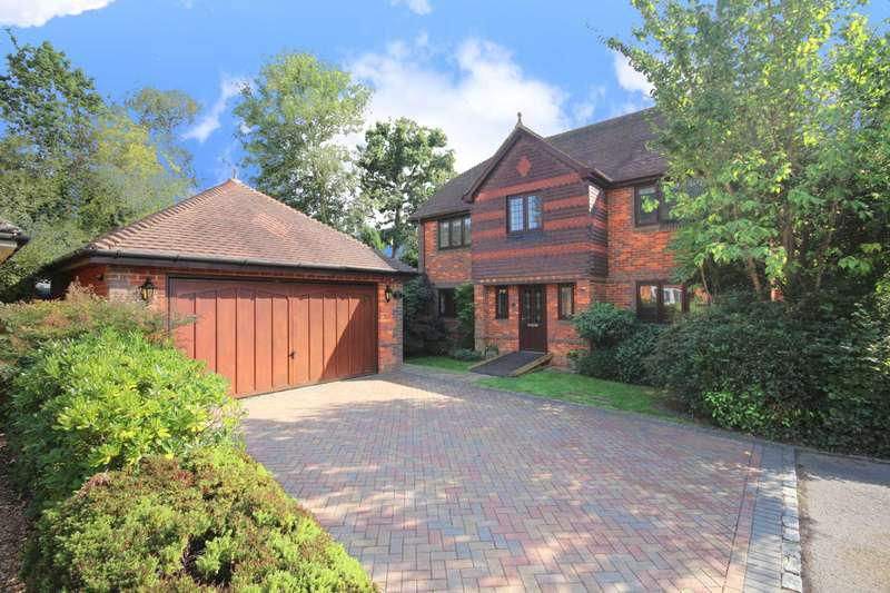 4 Bedrooms Detached House for sale in Priory Lane, Warfield