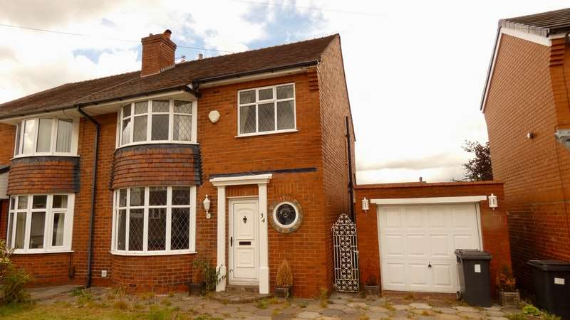 3 Bedrooms Semi Detached House for sale in Wingate Drive, Manchester, Greater Manchester, M45