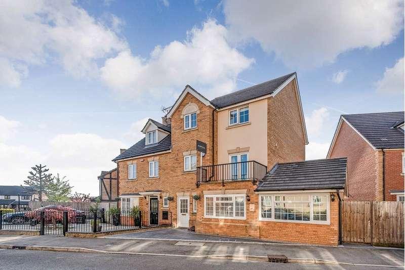 4 Bedrooms Town House for sale in Genas Close, Barkingside, IG6