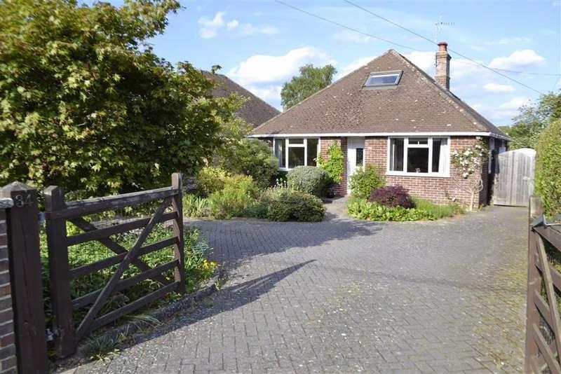 2 Bedrooms Detached Bungalow for sale in Elmhurst Road, Thatcham, Berkshire, RG18