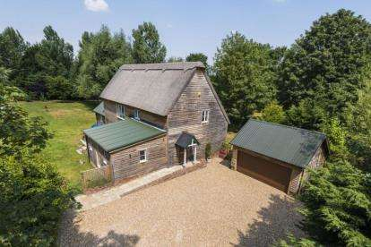 4 Bedrooms Detached House for sale in Shepreth, Nr Royston, Hertfordshire