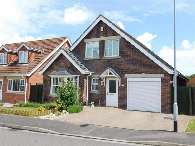4 Bedrooms Bungalow for sale in Mulberry Way, Skegness, Lincs, PE25 1GD