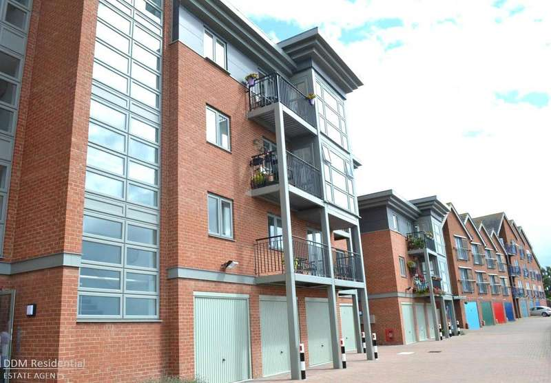 2 Bedrooms Flat for sale in The Wharf, Morton, Gainsborough, DN21