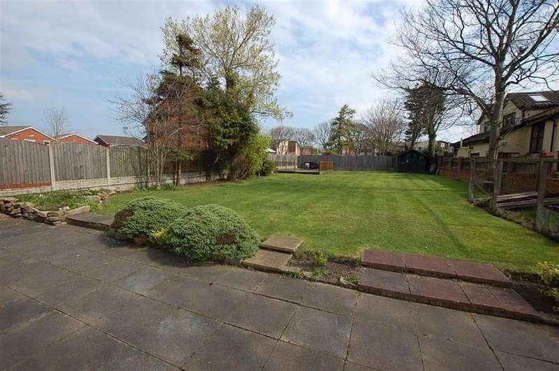 5 Bedrooms Detached House for sale in Merrilocks Road, Blundellsands, Liverpool