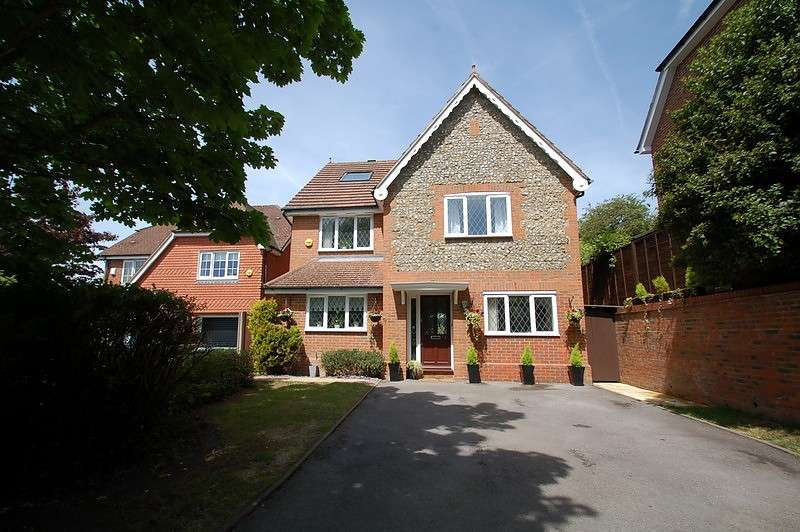 6 Bedrooms Detached House for sale in Thanstead Copse, Loudwater, HP10