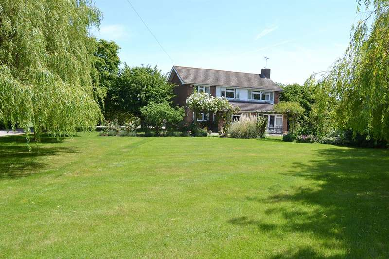 5 Bedrooms Detached House for sale in The Drive, Chestfield, Whitstable