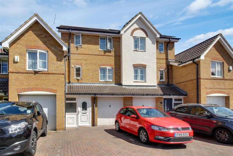 4 Bedrooms Terraced House for sale in Ontario Close, BROXBOURNE