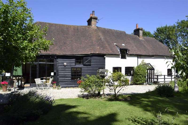 3 Bedrooms Detached House for sale in Ashford Hill, Berkshire, RG19