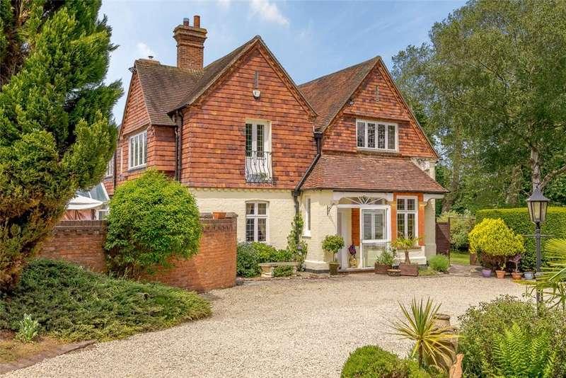 5 Bedrooms Detached House for sale in Greenham, Newbury, Berkshire, RG19