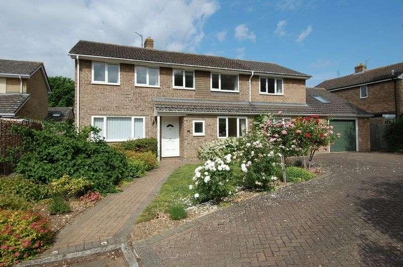4 Bedrooms Property for sale in Court Close, Kidlington