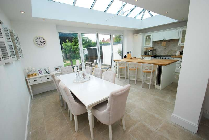 4 Bedrooms Bungalow for sale in Lisle Road, South Shields