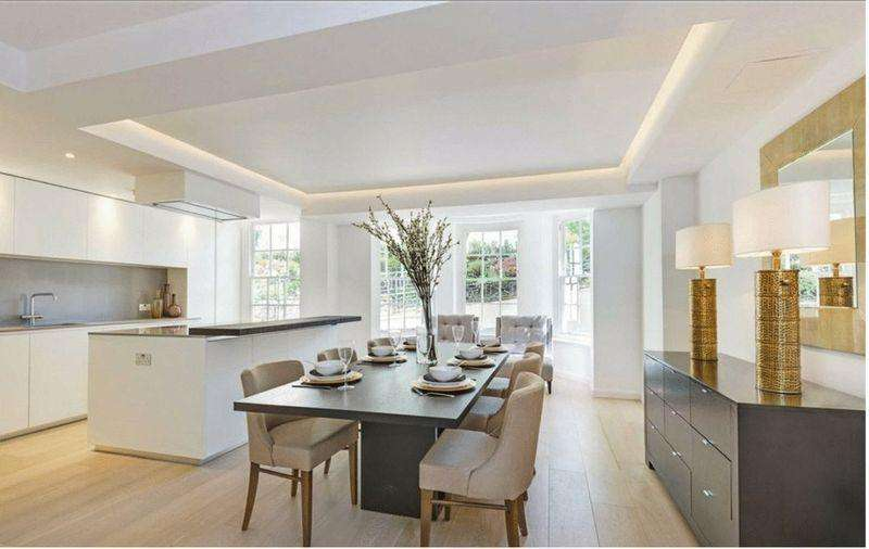 3 Bedrooms Apartment Flat for sale in South Lodge, Circus Road, St Johns Wood, London, NW8 9ES