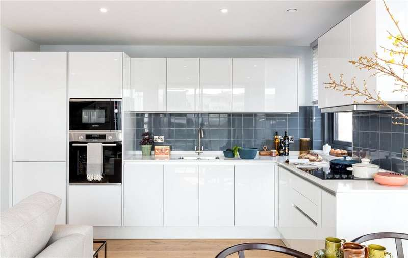 2 Bedrooms Flat for sale in Apartment 16 New Retort House, Brandon Yard, Lime Kiln Road, Bristol, BS1