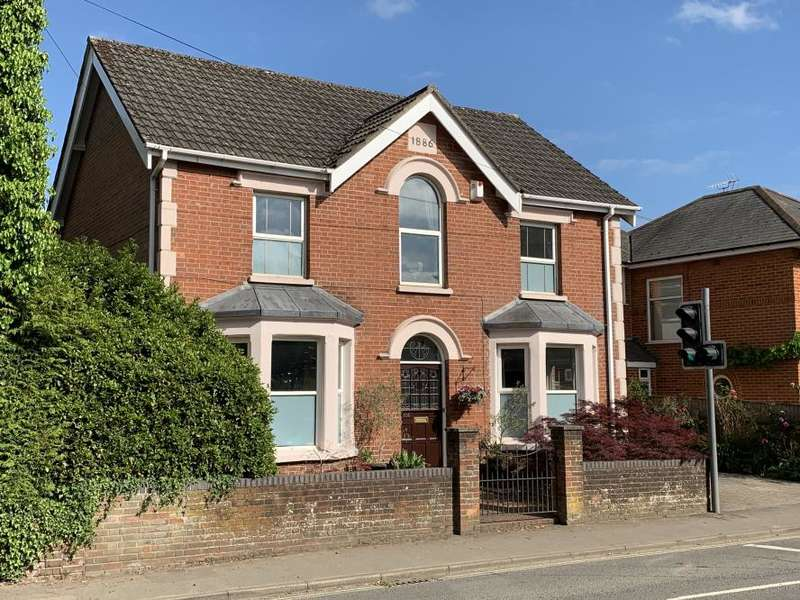 5 Bedrooms Detached House for sale in West Borough, Wimborne, BH21 1NH