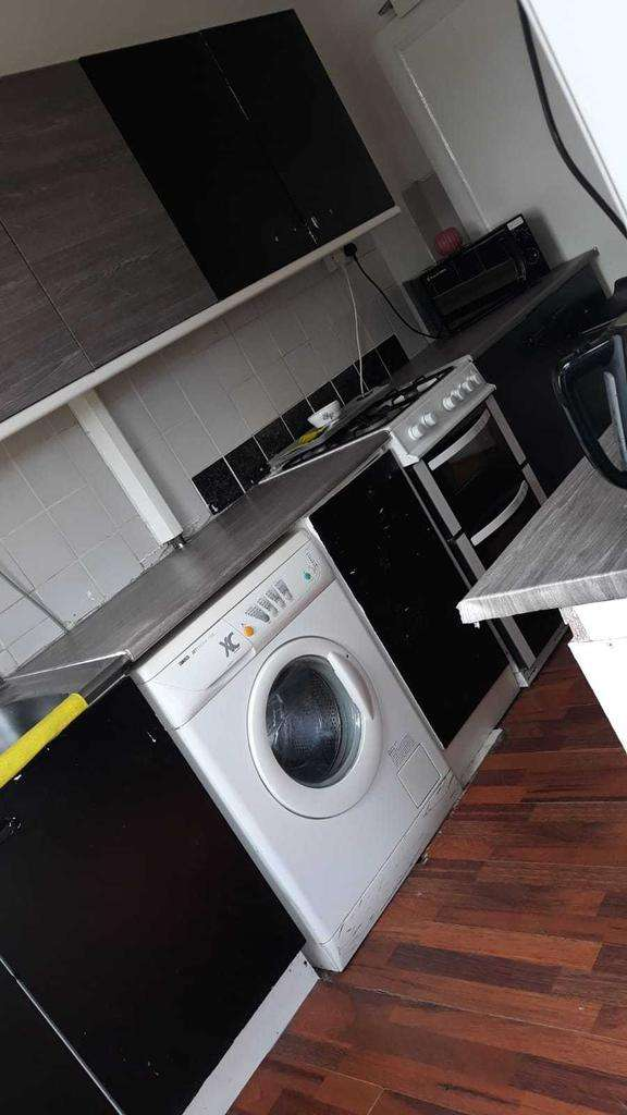 3 Bedrooms Terraced House for rent in West Road Newcastle Upon Tyne
