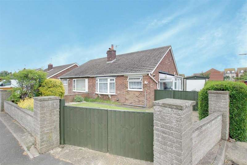 2 Bedrooms Semi Detached Bungalow for sale in Links Avenue, Mablethorpe