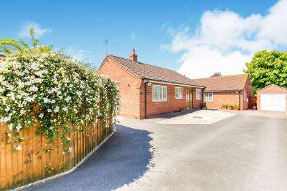 2 Bedrooms Bungalow for sale in Mount Pleasant, Louth, Lincolnshire, .