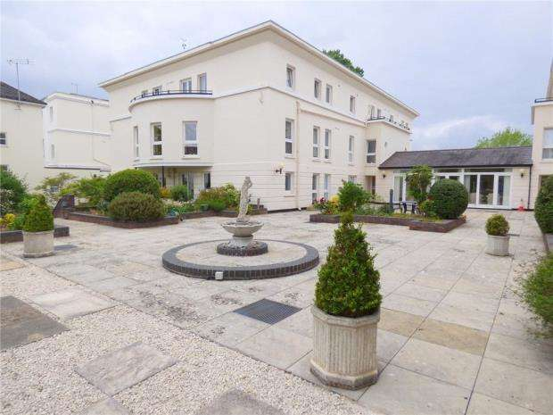 1 Bedroom Retirement Property for sale in Park Gate, Park Place, Cheltenham