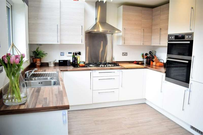 3 Bedrooms Semi Detached House for sale in Fenney Street, Salford, Greater Manchester, M7