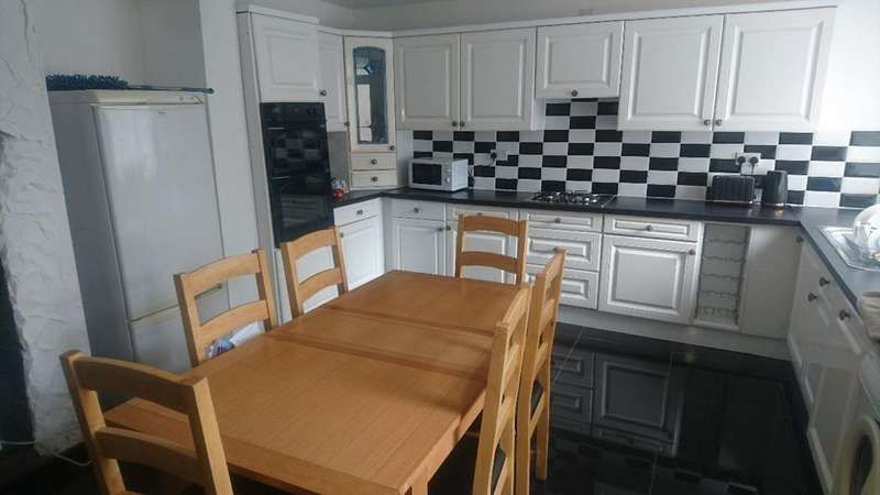 5 Bedrooms Semi Detached House for rent in Freehold Street