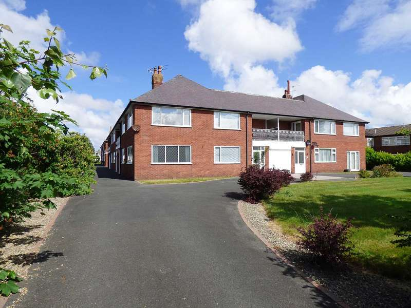 3 Bedrooms Apartment Flat for sale in Talbot Court, St Annes
